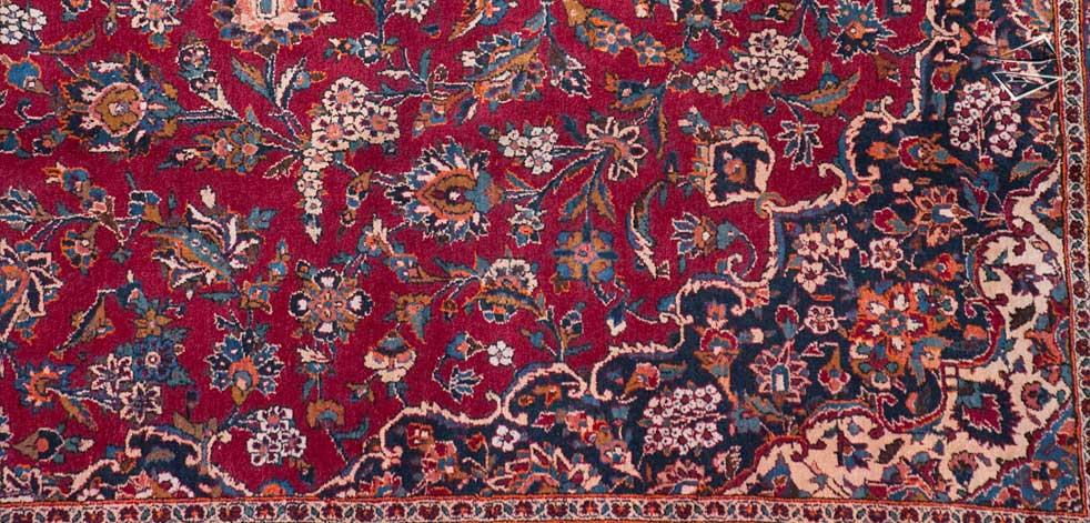 Persian Kashan Rug .
