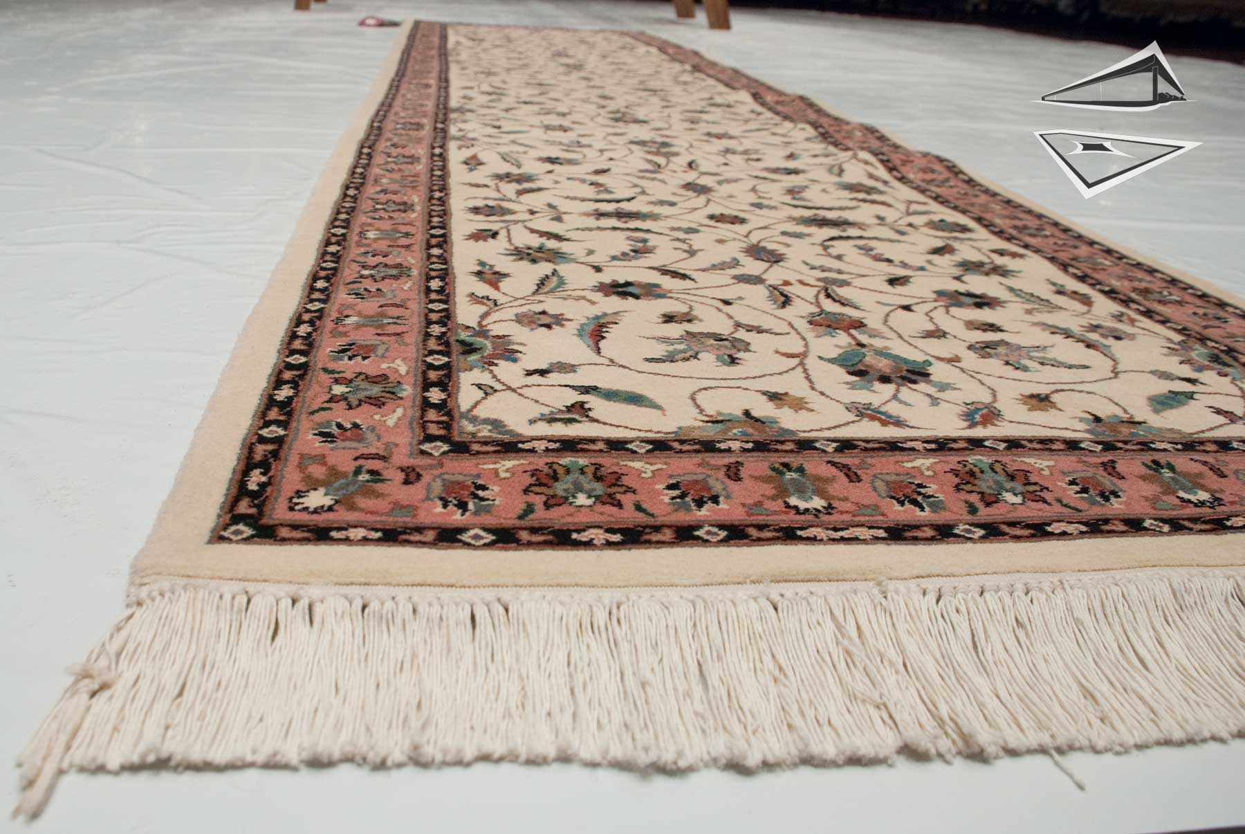 Isfahan Design Rug Runner 2 7 Quot X 11