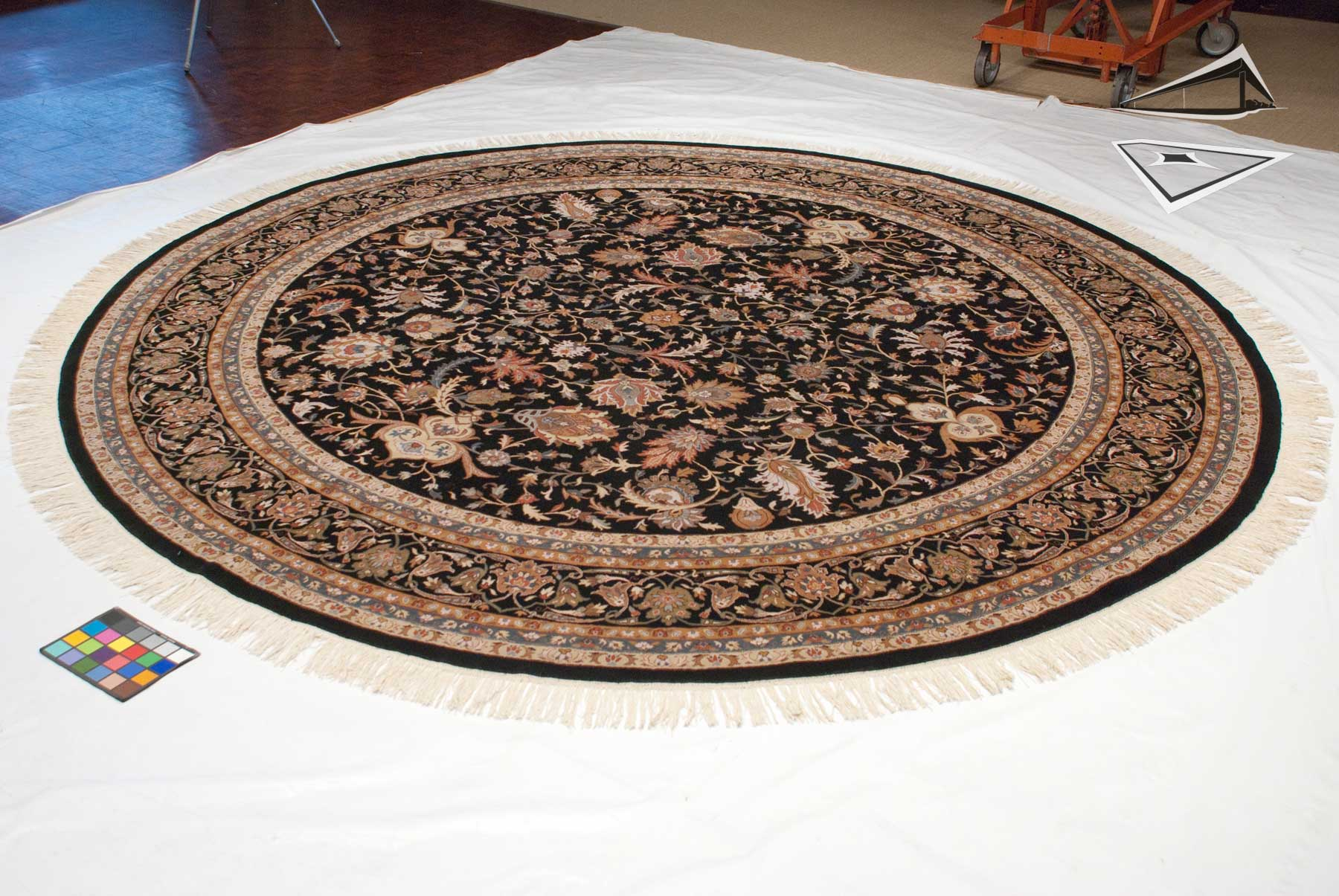 Isfahan design round rug 12 39 x 12 39 for What size rug for 12x12 room
